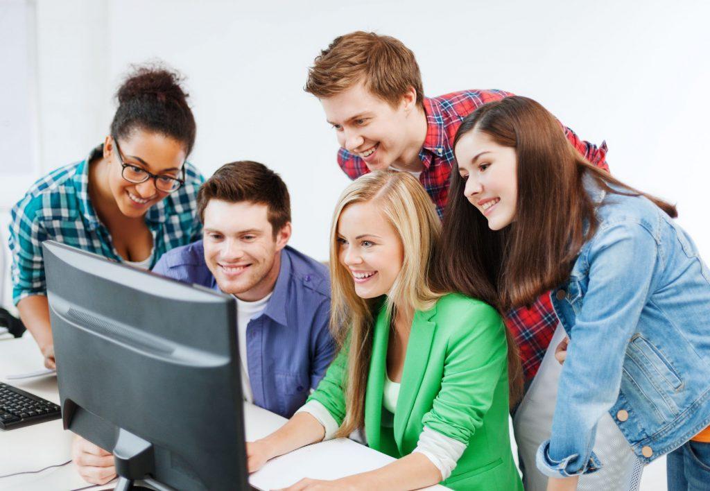 Ventajas de establecer un aula virtual de formación en su academia de idiomas